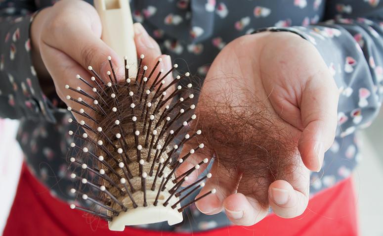 Queda de cabelo: quando se preocupar e como evitá-la